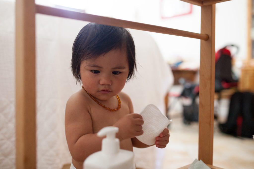 韓教授曾聽過大大小小對濕疹的謬誤,如孕婦產前服用補品如燕窩、人參和冬蟲夏草能預防濕疹,或用人奶皂替嬰兒洗澡,助治療濕疹。他指現時唯一外國曾有少量研究指孕婦產前服用合生元(即益生元和益生菌的合成,Probiotics),有助預防濕疹發生。