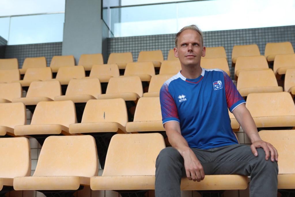 Pétur受傷未能再踏足球場,足球的夢想都全寄予同鄉,希望他們在世界盃取得好成績。