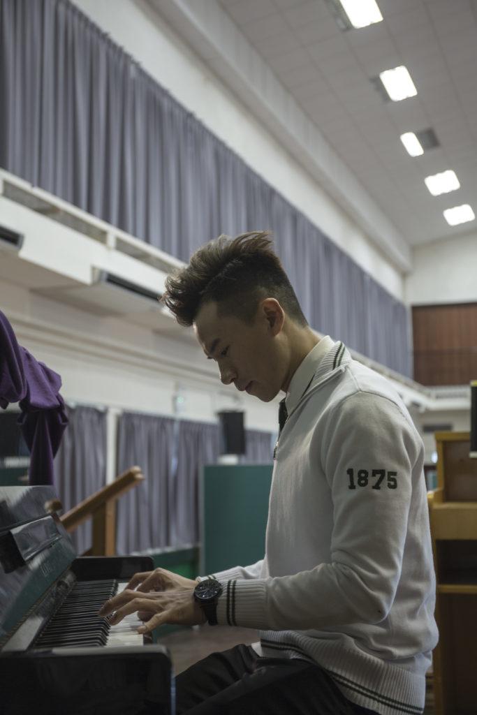 畢業於2003年的梁釗峰,現為男子組合C All Star其中一員。他指他的音樂事業便是由學校開始。因有次他忘記帶《聖經》上課而被罰在同學前表演唱歌,卻獲得大量掌聲,令他對唱歌更有信心及動力。