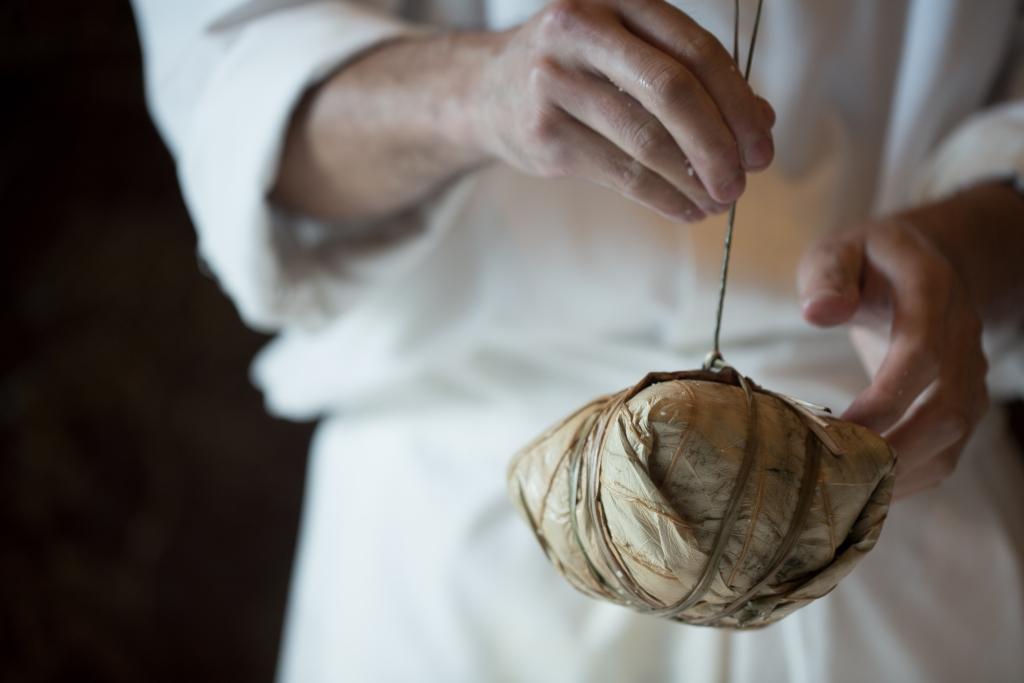 原來古時用葉片把米飯包上,是為了便於攜運。