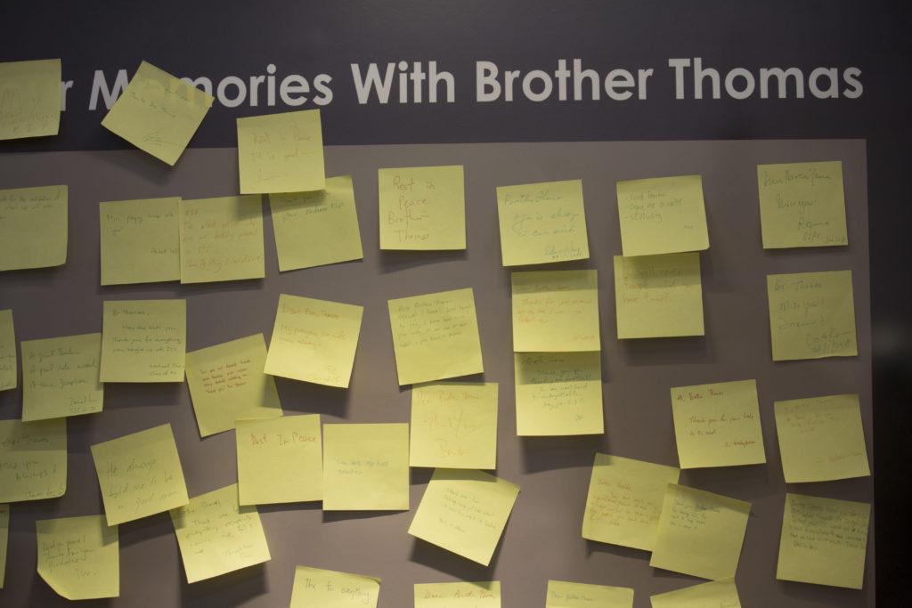 湯瑪士修士在校數十載,影響深遠,他去世後,不同年代的學生都寫下對他的思念。