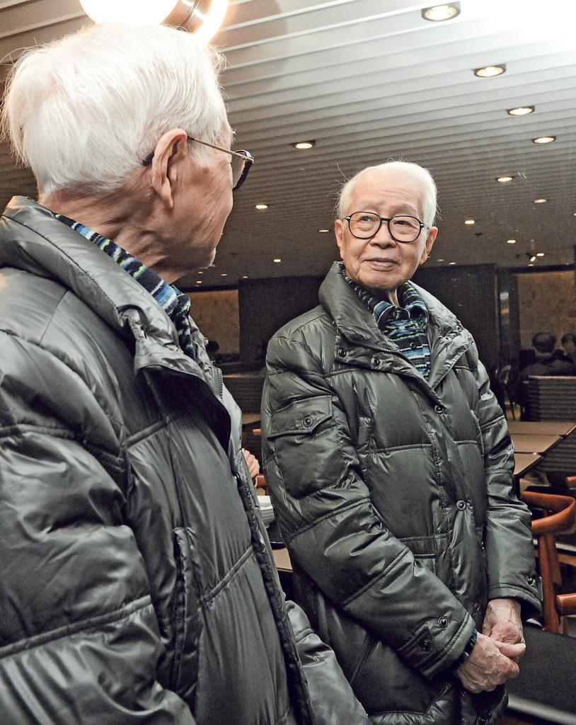 《酒徒》準備開拍之際,為期十年的電影攝製權合約馬上就要到期,劉以鬯二話不說免費跟黃國兆續約五年,讓黃十分感激。