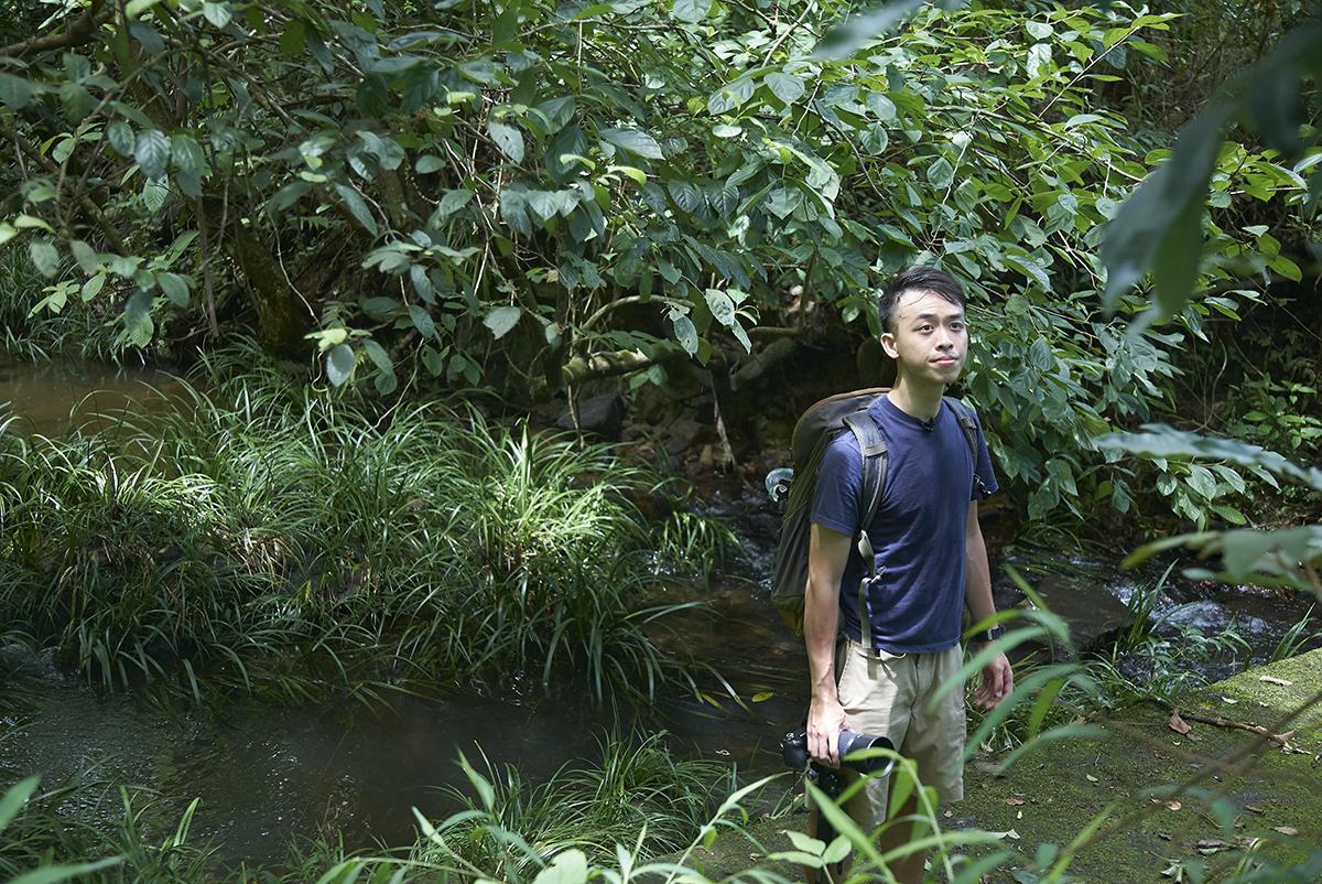阿城自小跟隨爸爸上山下海,由初時拍攝雀鳥照片,到近年為動物拍攝影片。