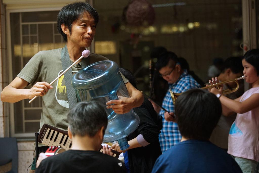 每天都有5-6節音樂課,但野村誠也不覺得累!