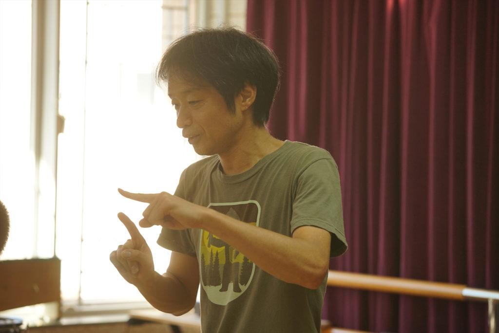 今年49歲的日本作曲家野村誠是一位資深的社羣藝術家。今年四月至七月,他成位全港首位駐復康中心的藝術家。