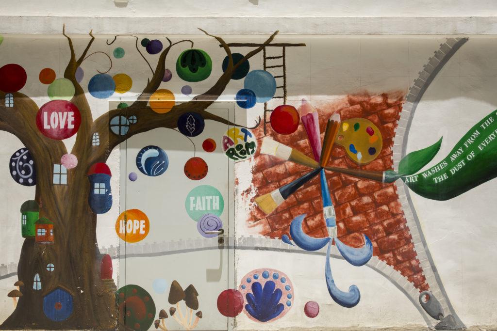 聖保羅致力培訓學生藝術才華,而校園裏的壁畫亦是出自學生之手。