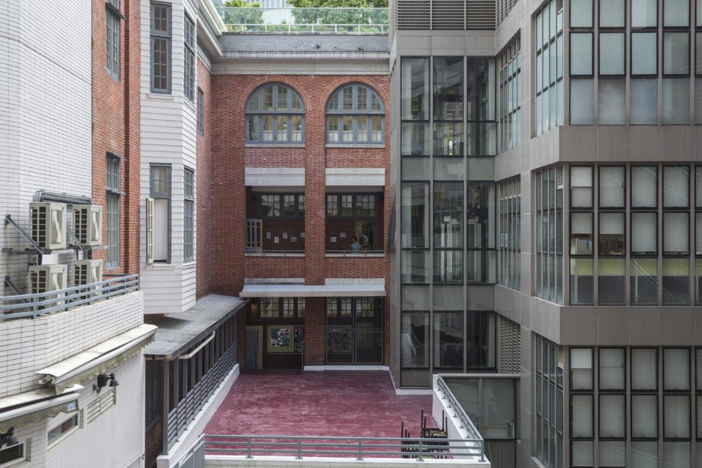 聖保羅男女的紅磚校舍獲評為二級歷史建築。當筆者走進具歷史感的校舍,就像閱讀一本立體歷史書。