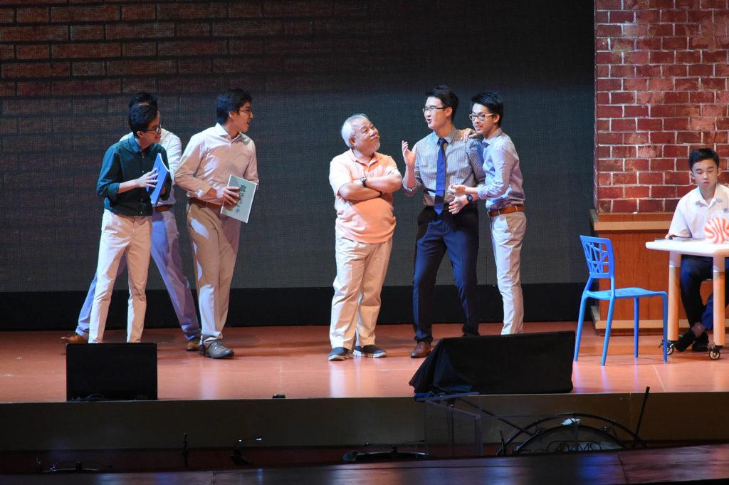 2016年7月,百周年校慶匯演於亞洲國際博覽館舉行,音樂劇《書桌裏的信》全長一百分鐘,呼應百周年 主題。故事講述一對舊生準新人於婚禮前因小事發生衝突,兩人分別回到母校尋求心靈慰藉,而舊日師長和聖 經給予的鼓勵讓兩人重拾勇氣,步向人生下一個階段。