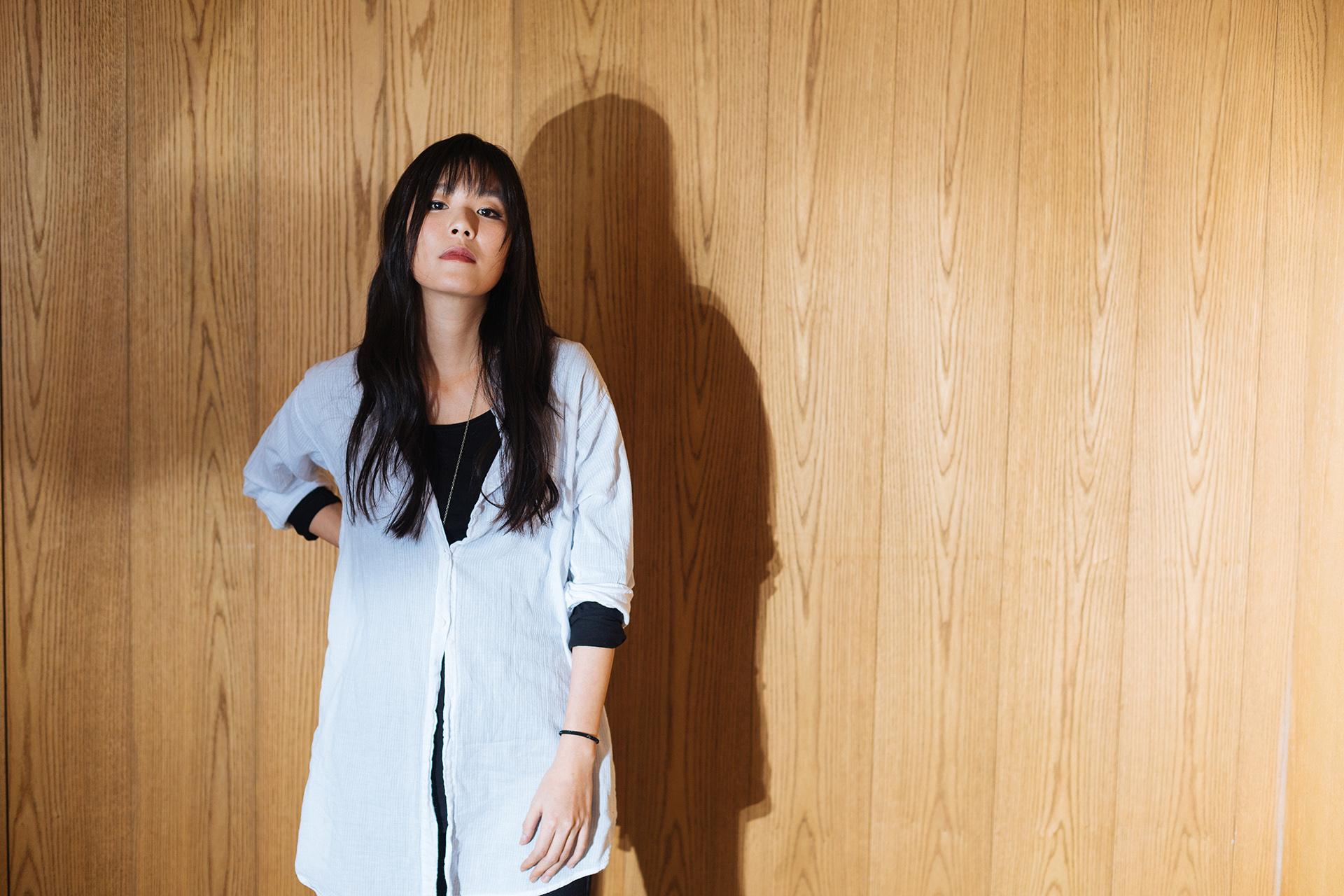 安溥是台灣唱作人,代表作包括《寶貝》、《南國的孩子》、《玫瑰色的你》。2015年,結束高雄《潮水箴言》音樂會後,宣布閉關創作,直至今年正式復出。