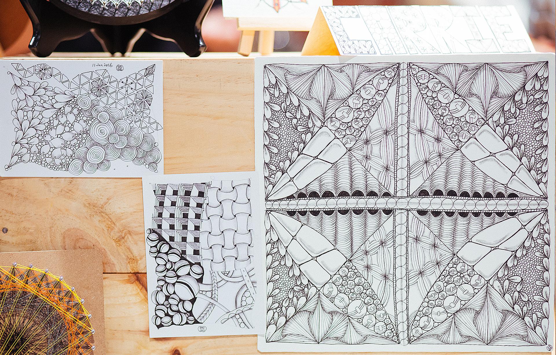 禪繞畫把圖像糾集交織成獨特構圖,風格強烈,不但具有觀賞性,當中更蘊含人生哲理。