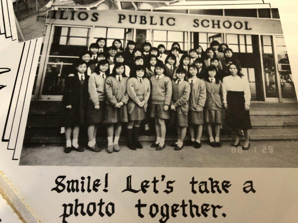 Jade說當年學校對學生所穿的校服沒有太多規格,鞋子可以是啡、黑或白色,女生也未必需要束起頭髮。縱然學校給了學生自由度,但同學們很自律,大家也講求有端莊的儀容。