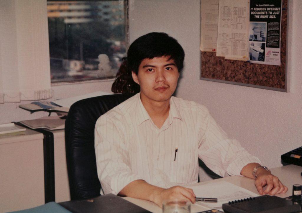 二十歲的Calvin Ku意氣風發,努力賺錢充滿成就感。