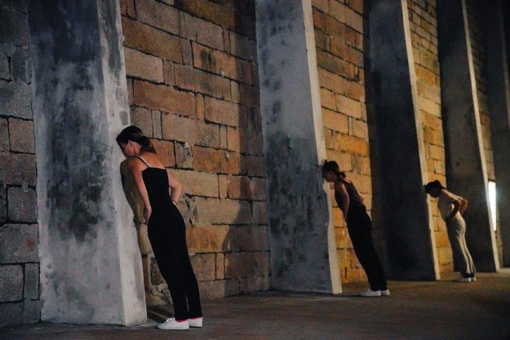 邱加希未曾見過香港有一堵實在的高牆。大館監獄操場的石牆卻讓她想起伯利恆的圍牆。