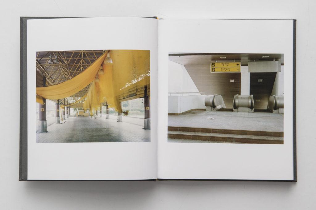 《Narrow Distances》相集由舊啟德機場的照片開始。內頁沒有作品名稱及拍攝日期,因為謝嘉敏不希望讀者帶着前設閱讀她的作品。