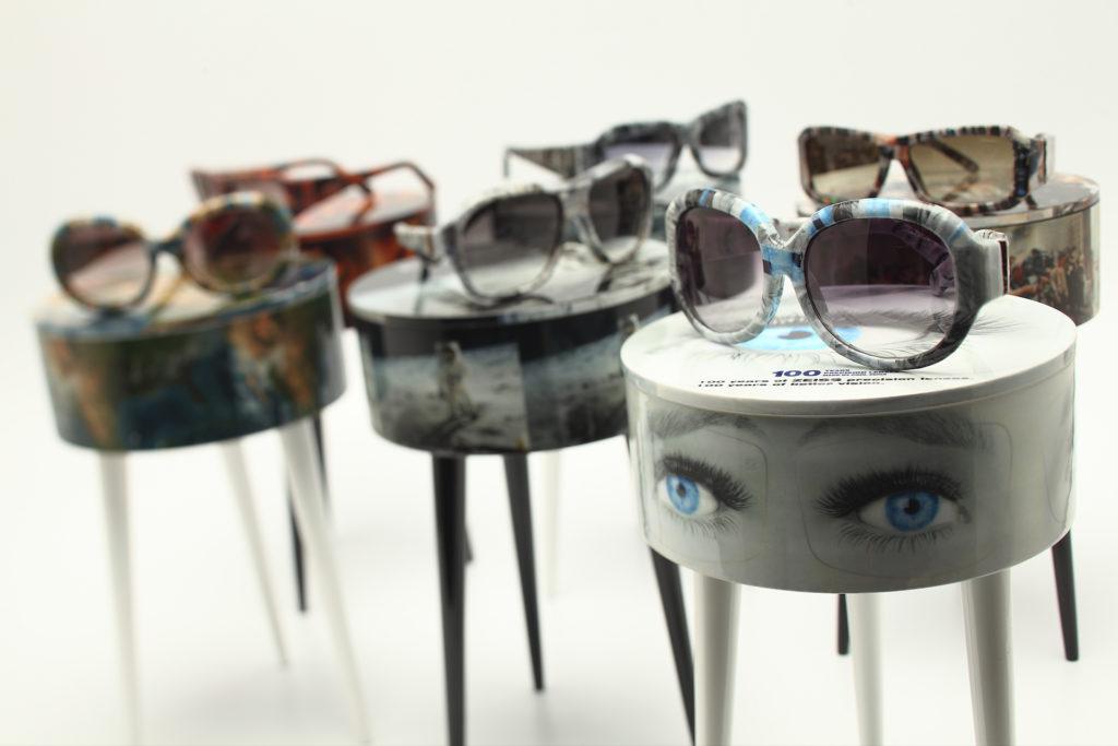 Simon的首本名作是環保紙眼鏡,用舊報紙和漫畫書來包裹整副眼鏡,就連蔡司鏡片也找他合作推出特別版太陽眼鏡。