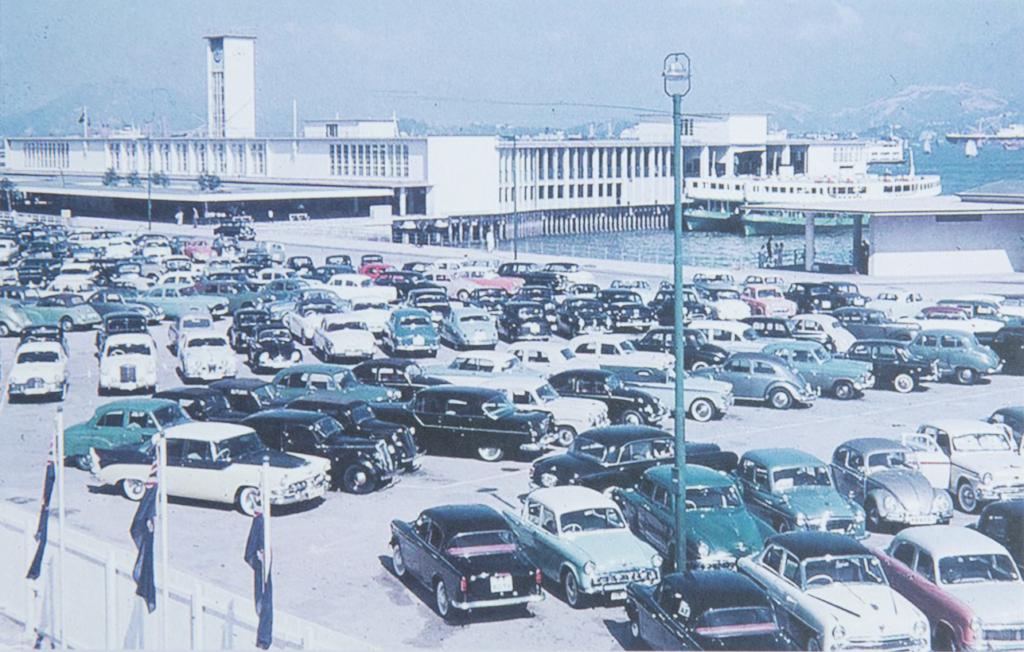 中環天星碼頭對面的天台停車場