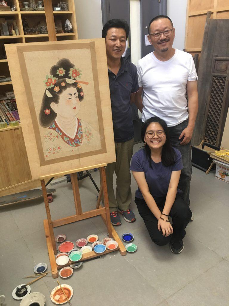 詠琪指高鵬(右)、牛源老師(左),他們都非常親切沒架子。