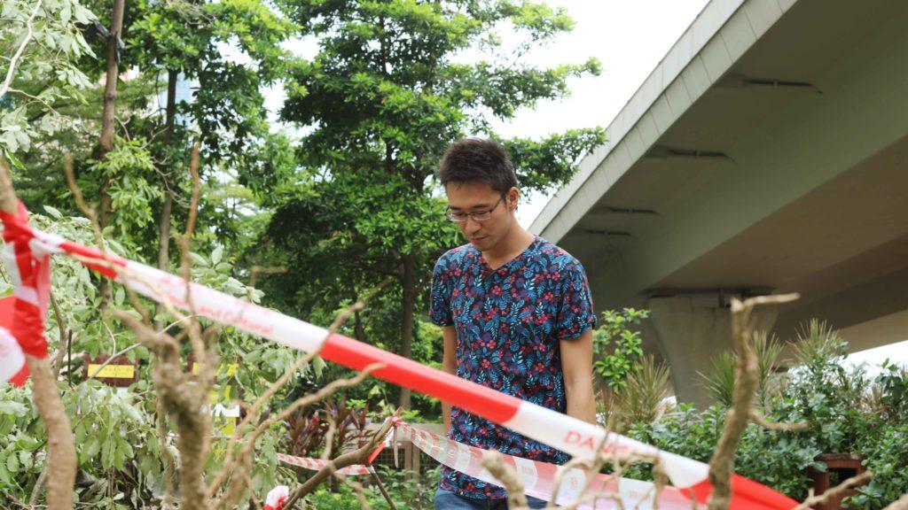 蘇B去年失官位後撰文,颱風後尖沙咀的榕樹啟發他,做什麼崗位都要貼地氣。