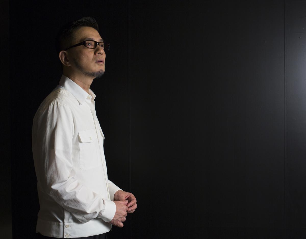 明哥享受音樂,他認為音樂不應該有國界,香港的音樂可以走多遠便多遠。