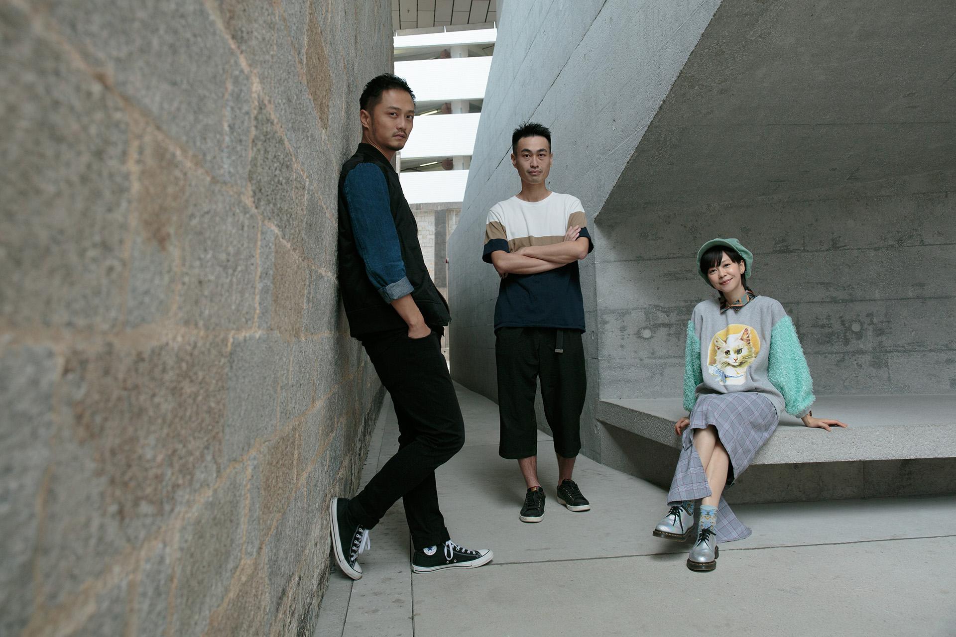 《班門大叔》的創作團隊包括(左起)監製與導師CMgroovy、填詞人蔡志厚及主唱陳慧敏。