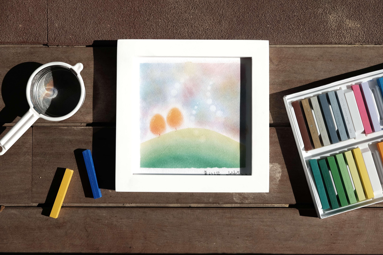 和諧粉彩的畫法容易掌握,參與者畫畫時既能放鬆心情,也有滿足感。
