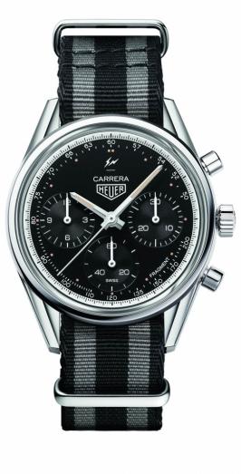 Tag Heuer Carrera Fragment(USD$8,100) 作為慶祝該系列五十五周年的最後一擊,藤原浩選擇以1963年的原創錶款為復古設計的基礎,39mm的拋光精鋼腕錶,搭載品牌自動機芯Heuer 02,錶盤以黑色蛋白石取代鏤空設計,並設測速計,全球限量五百枚。