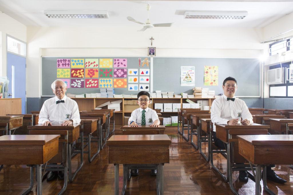 (左起)爺爺何承天、孫兒何康寅、爸爸何宇磯都是在聖若瑟成長。