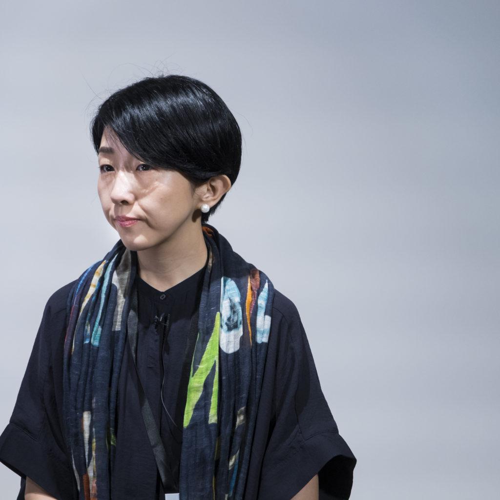 早川千繪在日本讀攝影,曾在美國深造電影。