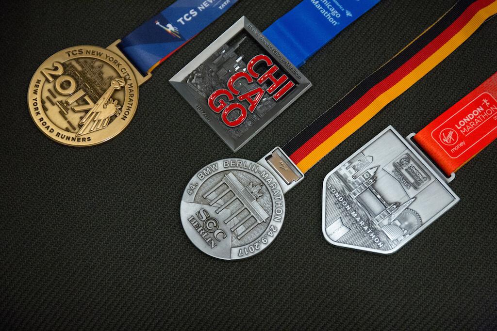 六大馬拉松,完成了四個,明年有望完成大滿貫。