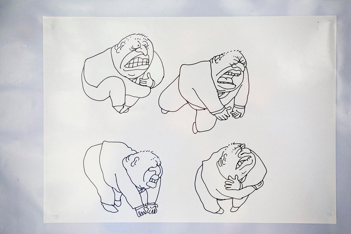 董建華任特首近八年,2005年終以腳痛為由下台,尊子認為董建華算很易畫,尤其是他肥胖身形與起褶的後尾枕。