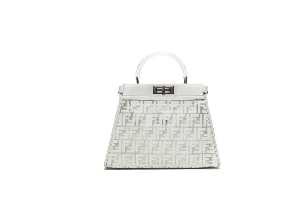 Peekaboo由Silvia Fendi在2008年創作,為隆重其事,她亦設計了特別版手袋,為品牌位於邁阿密Design District專門店作限量發售,為期一星期。