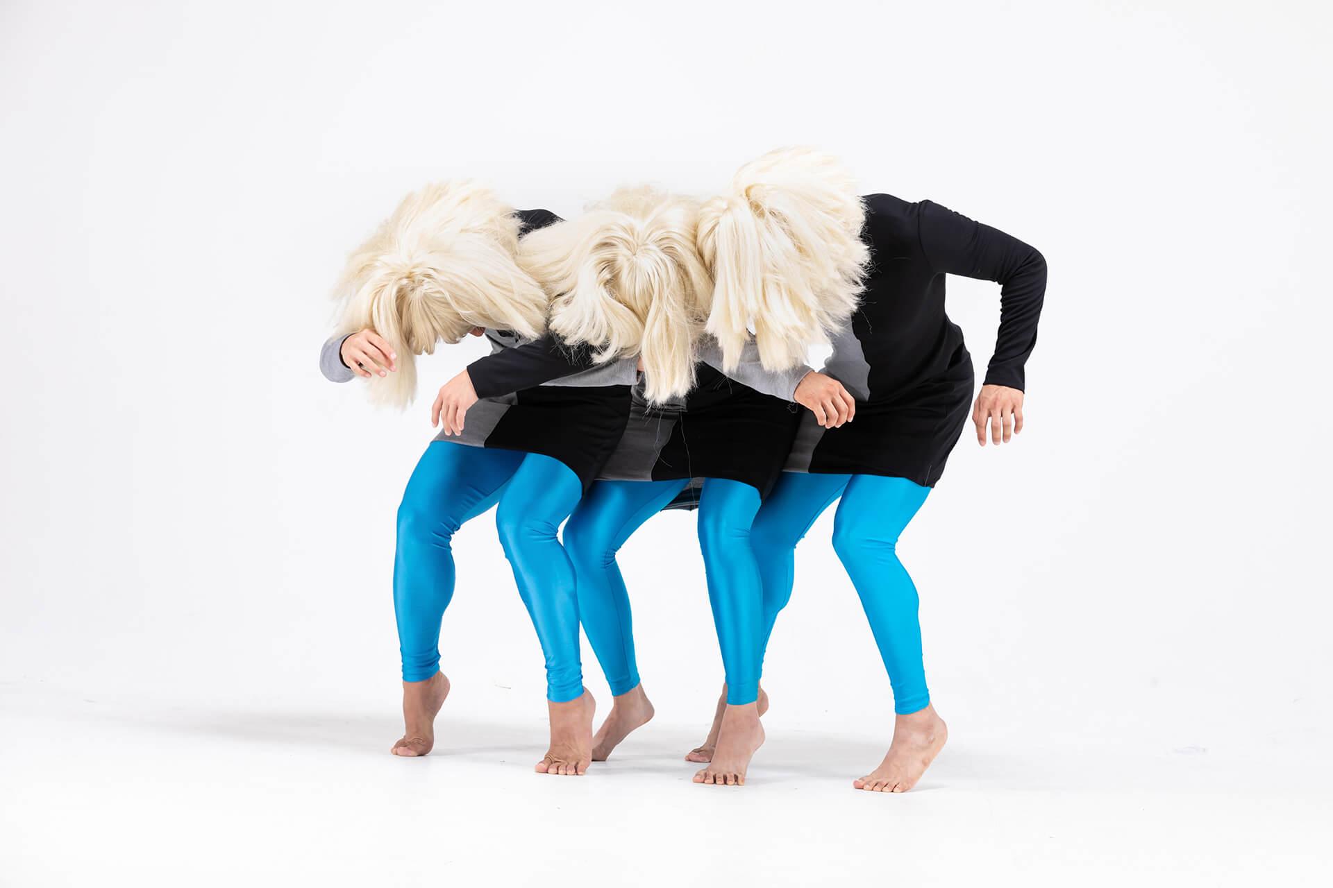 三個舞者的動作要一模一樣,邱加希形容是極之困難。(相片提供︰Worldwide Dance Project)