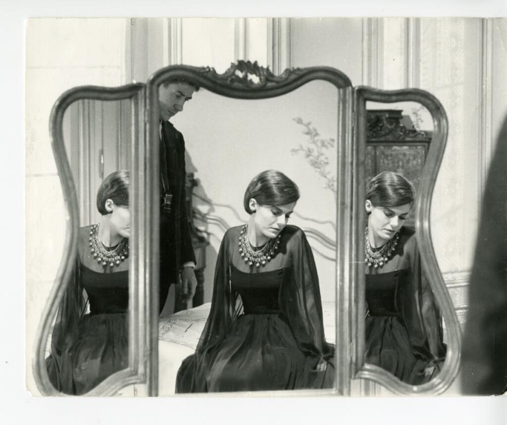 1961年上映的《 去年在馬倫巴》不只是法國電影界新浪潮的代表作,Alain與Chanel女士的組合更帶動了全新的戲服設計理念。