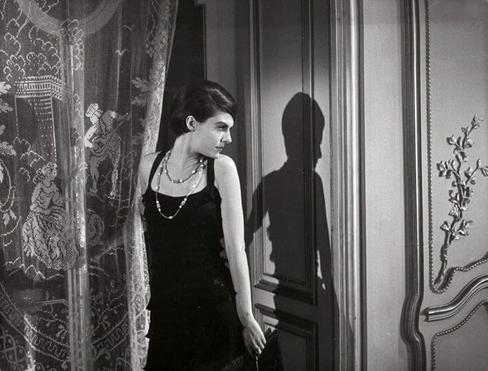 Little black dress是時裝界的經典單品,也代表着一個時代的審美價值。