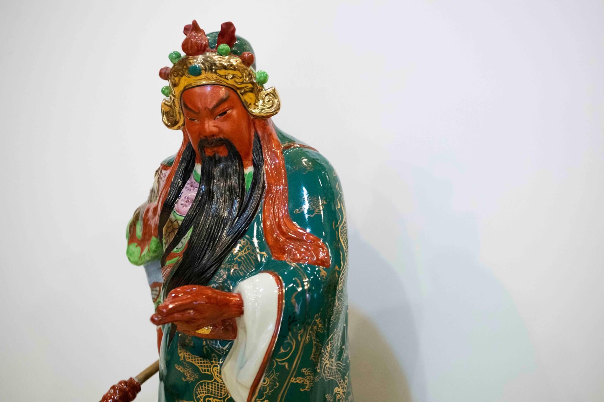 香港傳統的關公像,面頰赤紅。