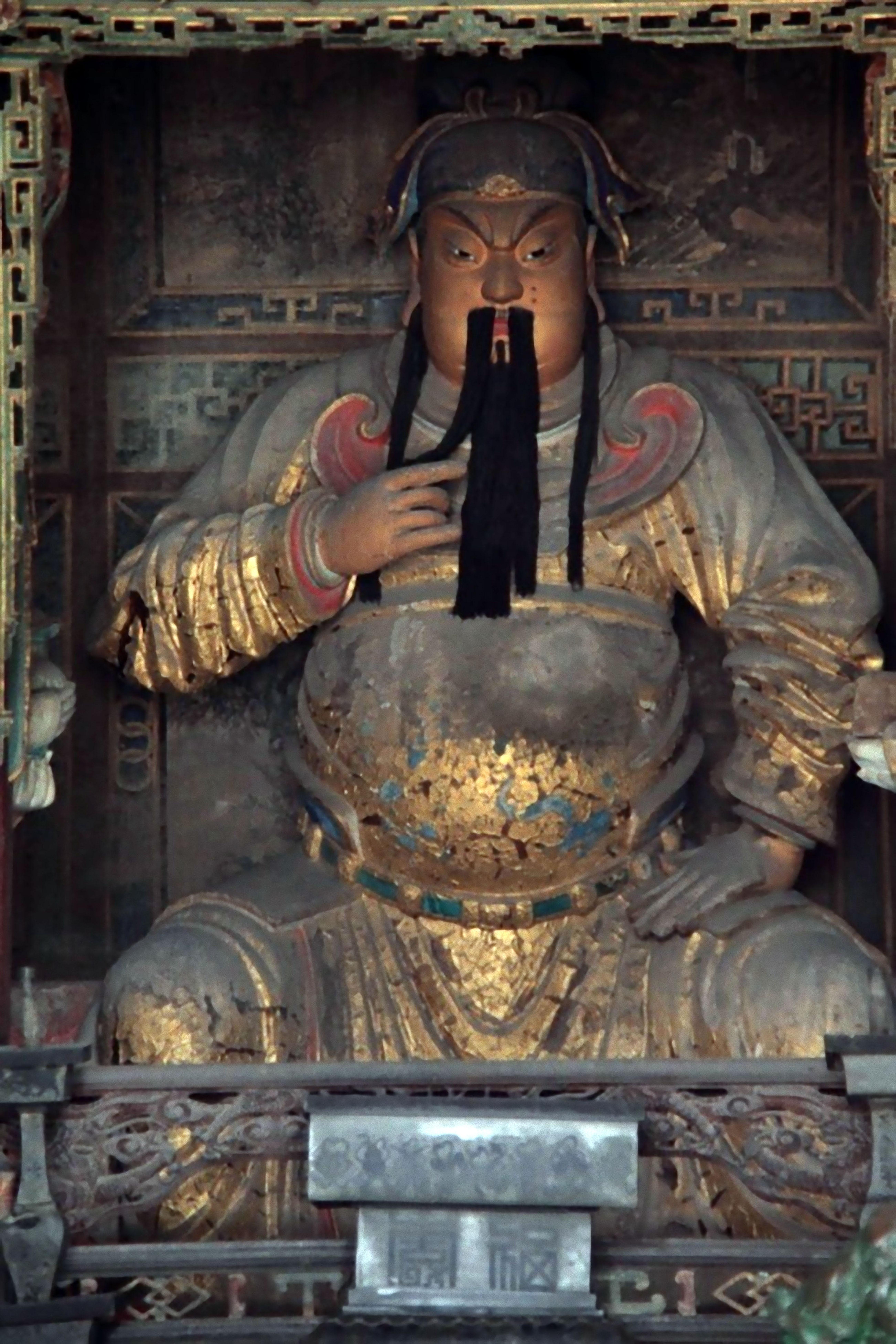 山西解州關公廟歷史悠久,當中關公面頰顏色微紅,不如今日的硃砂赤紅。