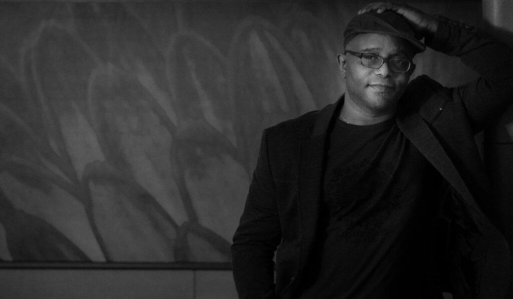 Tyehimba Jess現為紐約市立大學史泰登島學院﹙College of Staten Island﹚英文系教授,憑詩集《Olio》獲多項殊榮,包括普立茲詩歌獎、Anisfield-Wolf圖書獎、The Midland作家協會獎等。