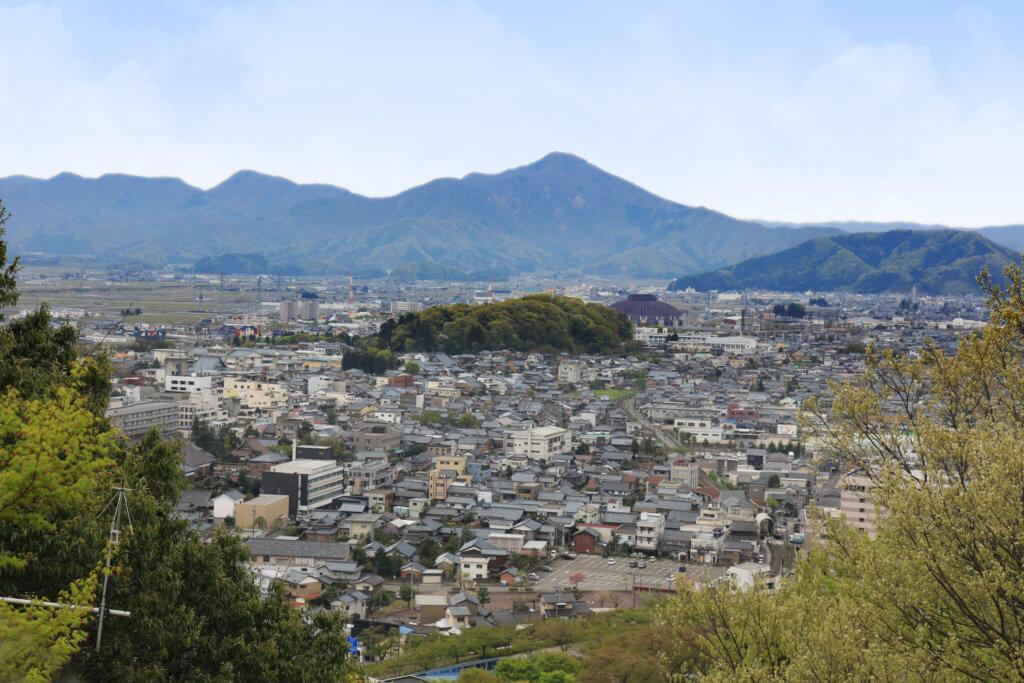 日本鯖江市(Sabae-shi),堪稱眼鏡之城,全日本超過九成的眼鏡鏡架都在這裏生產。