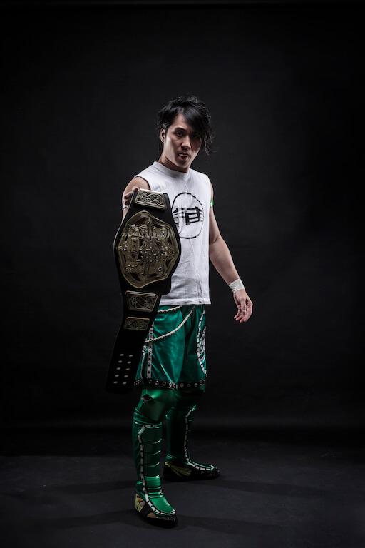Hoholun在摔角圈闖出名堂之 後,開始兼任東南亞地區賽事的producer。