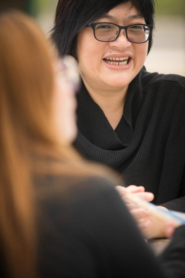 技安原名黃志慧,曾經專責邊青問題,十年前加入天朗中心跟進吸毒個案,她所見的吸毒者無一不想戒毒,只是動機和意志力不足,假以時日都能戒除陋習。