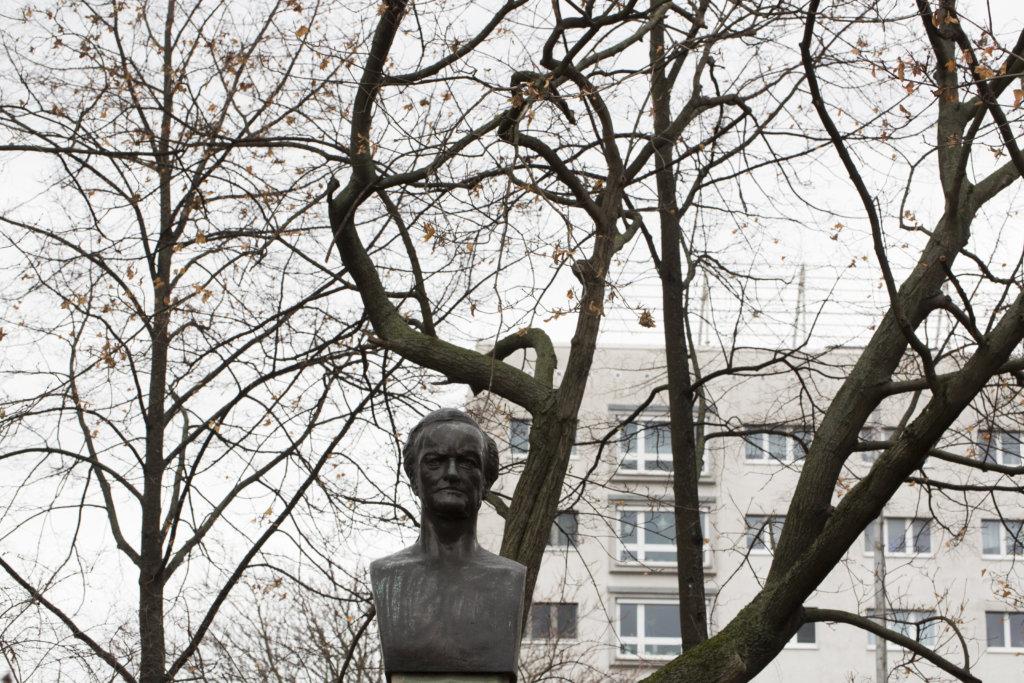 華格納在市內的紀念銅像