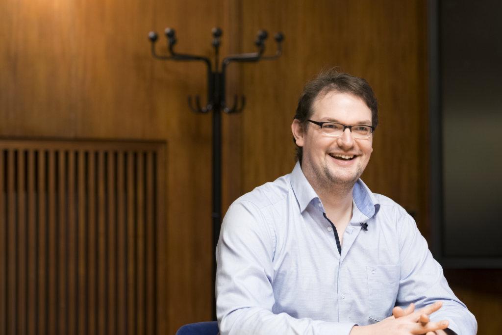 萊比錫歌劇院的男低音Sebastian Pilgrim