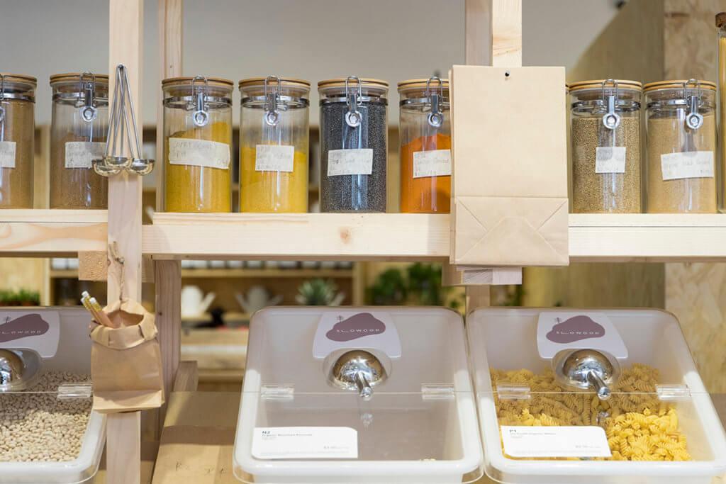 店內的意粉、米、麥皮等食材都可斷克購買,不怕買過度放到過期。