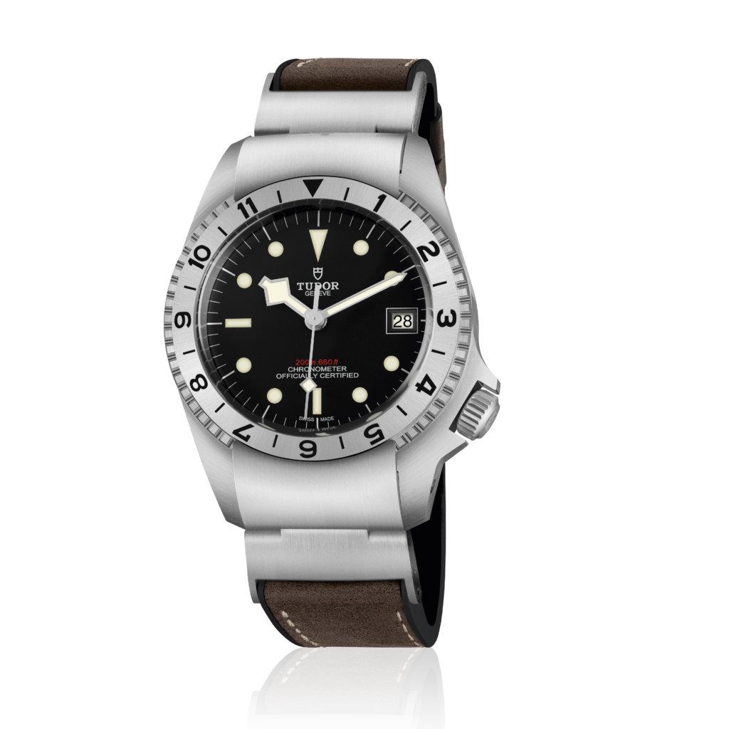 m70150-0001_black_leather_brown_v_pr