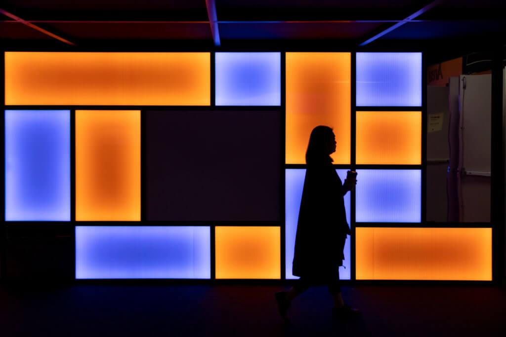 藝博會彷彿是城市發展其藝術市場的必要方法,但它怎樣與在地的藝術團體協調,是一個艱難的修正過程。