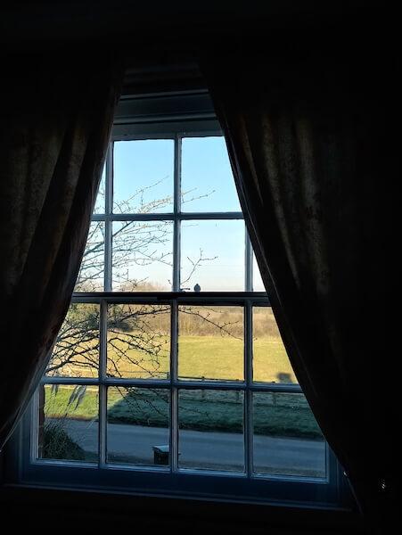到埗英國後,找到一間由農舍改建的民宿,已經有三十年歷史。