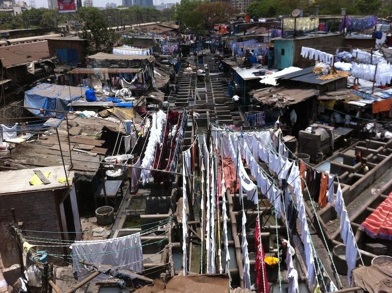在印度,她會觀察貧民區百態。