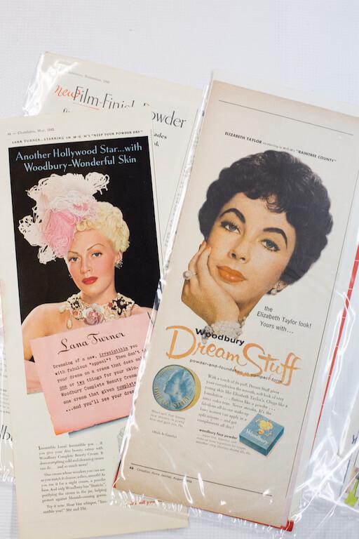黃金為了畫到演員的神髓,不惜工本購買外國雜誌和相片。圖右剪報來自1956年,相片人是伊莉莎白泰萊。