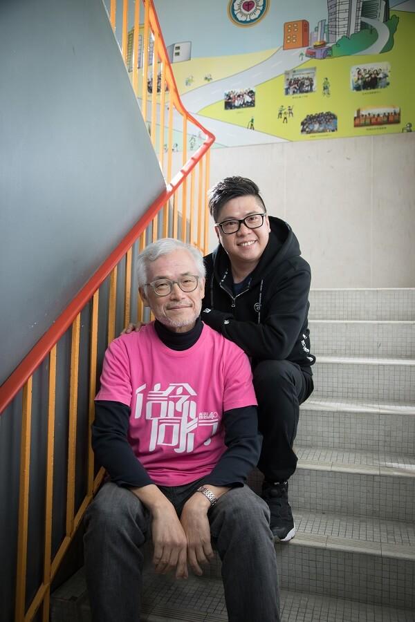 香港信義會社會服務部助理總幹事林兆秀(前)關心過來人重投職場的問題,靈愛中心戒毒村的朋輩輔導員啟光(後)藉着自身的經歷,分享過來人遇到的困難。