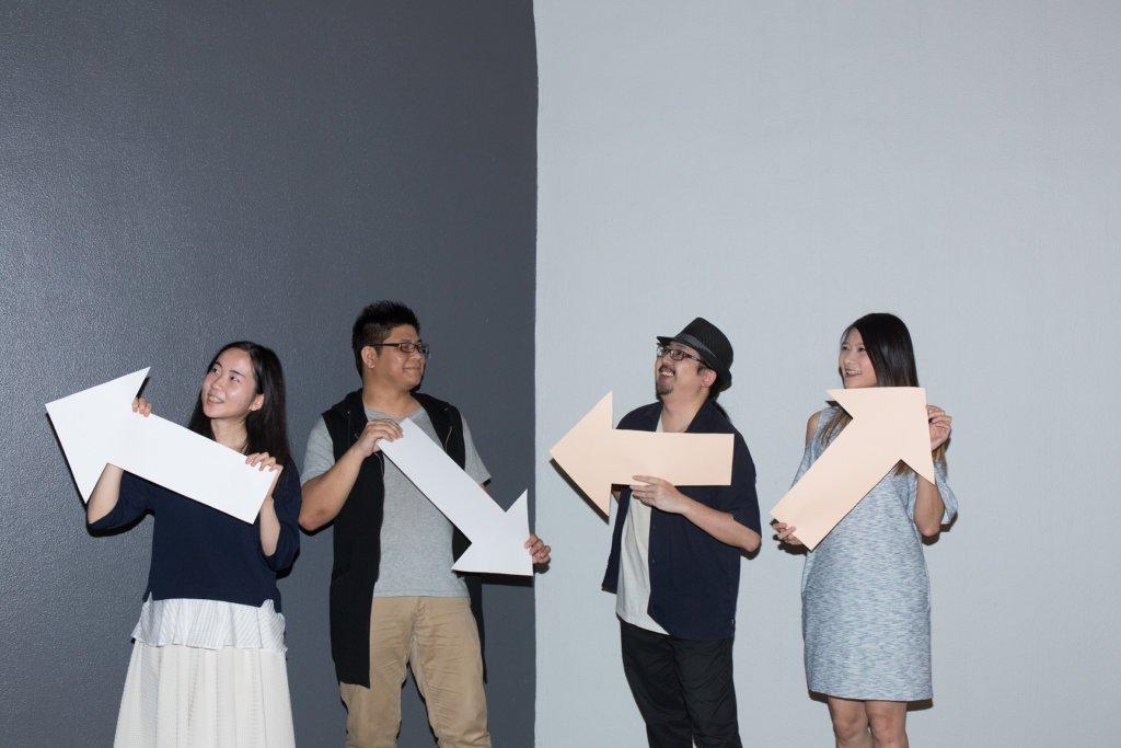 路標系統由圖文書《有關抑鬱這回事》作者Cliffy(左三)策劃,並由(左起)義工Claire、YS及Bonnie起動計劃。